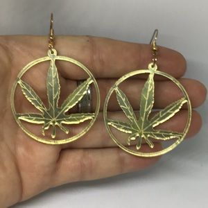 Pair of Kool Cannabis Light Weight Alloy Earrings!